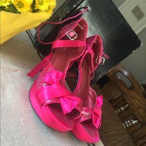 ✨🎀Sequined Hot Pink Heels🎀✨